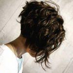 Charmante gestapelte kurze Haarschnitte für Frauen