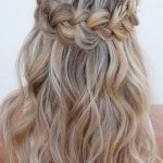 Christmas Party Hairstyles to Enhance Your Look
