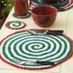 Christmas Pinwheel Placemat and Coasters