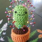 Crochet Patterns and Projects for Teens - Cactus Pincushion - Best Free Patterns... - Hetty J.