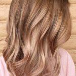Dunkel Blond Frisur-Ideen für Jeden