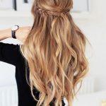 Einfach Frisuren für lange Haare zu machen