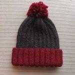 Einfache warme Mütze für einen Jungen oder ein Mädchen