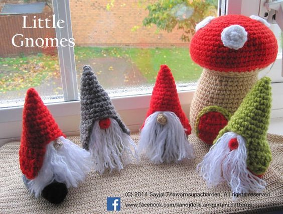 English, Spanish, Dutch, German, Italian and French Instructions – Instant Download PDF Crochet Pattern – Little Gnomes with Mushroom Houses