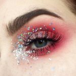 Fotoshooting Styling Inspiration. Augen Make Up in rot mit Glitzer