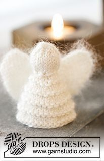 Free Pattern Knitted DROPS angel in garter st pattern and angel in lace pattern …