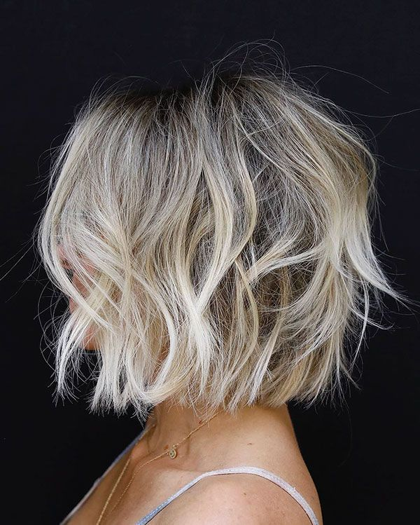 Get a clean and sweet look with short messy hairstyles
