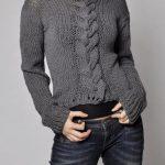 Handgestrickter Pullover - Dunkelgrauer Strickpullover mit Zopfmuster