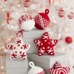 Holiday Stars and Balls Ornaments pattern by Laura Bain