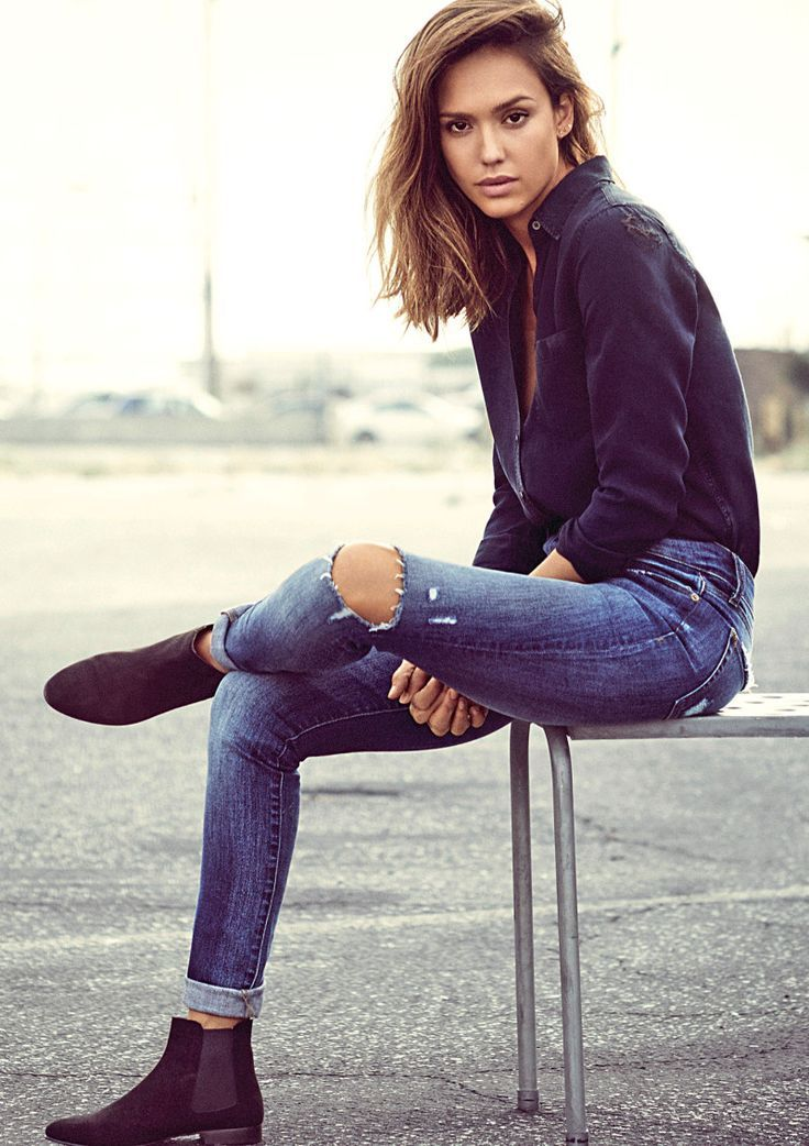 How Jessica Alba Picks, Washes and Wears Her Jeans