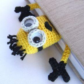 How to Crochet a Basic Doll #minioncrochetpatterns Amigurumi Minion Bookmark cro…