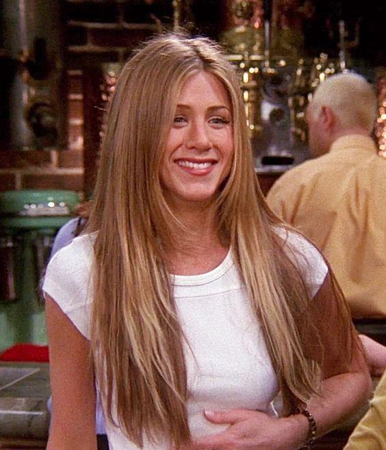Jennifer Aniston reprised Rachel Green on Saturday Night Live