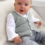"Knitted DROPS vest with V-neck and textured pattern in ""Baby Merino"". ~ DROP..."