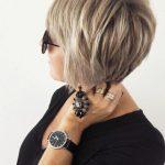 Kurze Frisuren für Frauen über 50 – Einfach und edel