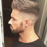 Kurze Undercut-Frisur mit Fade #Undercuthairstyle #Undercutmen #Haircut #Und