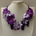 Lila und Pflaume lila Bouquet Halskette - OYA Lace Halskette häkeln,  #Bouquet #Häkeln #Halsk...