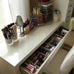 Make-up-Eitelkeit. Make-up organisieren. Aufbewahrung von Make-up. Make-up-Anzei... - Design