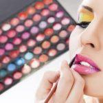 Make-up der 80er-Jahre: Auffällig und schrill –