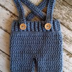 Pantaloncini/Pantaloni Crochet Baby con Suspenders - Copertina del pannolino in Stonewash Neborn to 12 Month Size- MADE TO ORDER
