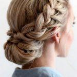 Prom geflochtene Hochsteckfrisuren für lange Haare