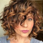 Really Stylish Curly Bob Hairstyles for Ladies