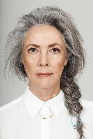 Salz und Pfeffer graue Haare. Graue Haare. Silbernes Haar. Weißes Haar. Oma Haa…