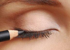 Schlupflider schminken – Schritt für Schritt!