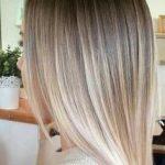 Schöne Frisur Ideen für schulterlanges glattes Haar,  #Frisur #für #glattes #Haar #Ideen #Sch...