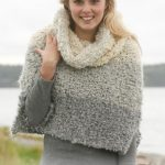 """Set consists of: Knitted DROPS poncho and detachable collar with stripes in """"P..."""