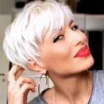 Short Hairstyles for Women Over 40 to Explore New Look
