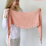 Simple crochet shawl for beginners - To The Point Shawl by Wilmade