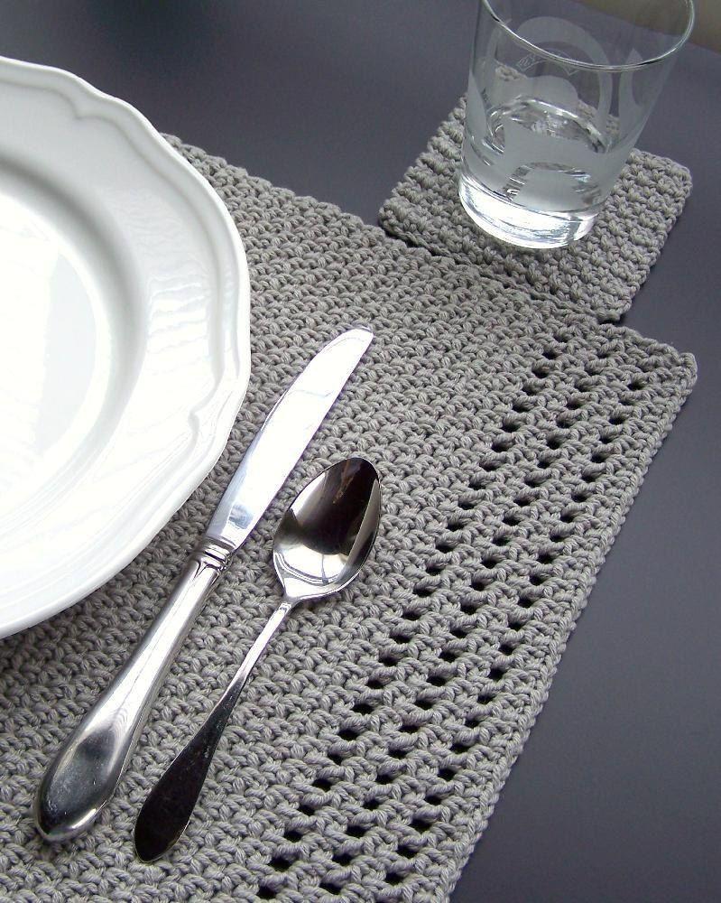 Simply Elegant Placemat Crochet pattern by Melanie Rice