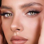 Smokey eyeliner, bronze eye makeup, nude lips, neutral, makeup goals - #Bronze #...