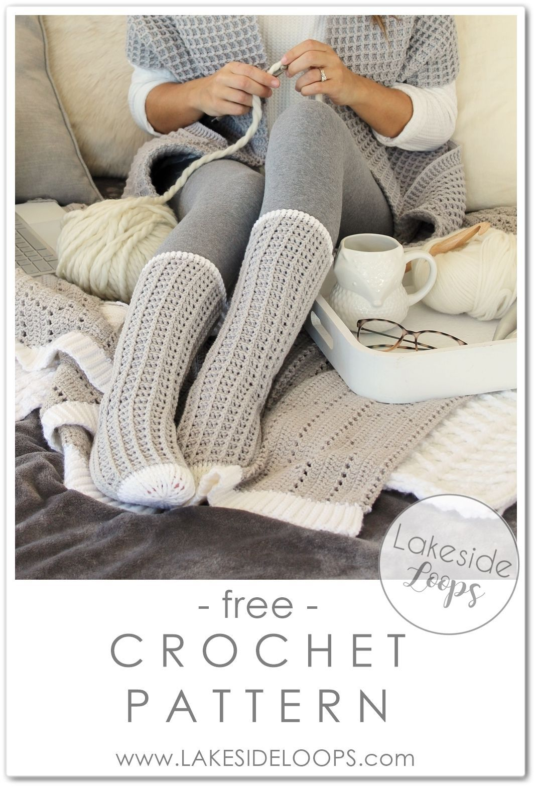 This easy crochet sock design has a beautiful waffle texture and includes 11 – y…
