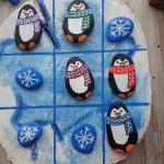Tic-tac-toe Christmas painting