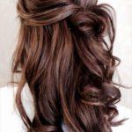 Tolle festliche Frisur, für alle, die sich nicht zwischen offenen Haaren & Hoch...