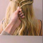 VISIT FOR MORE  Frisuren der Frauen kurz mittlerer Schnitt mit Pony kurzer Haars...