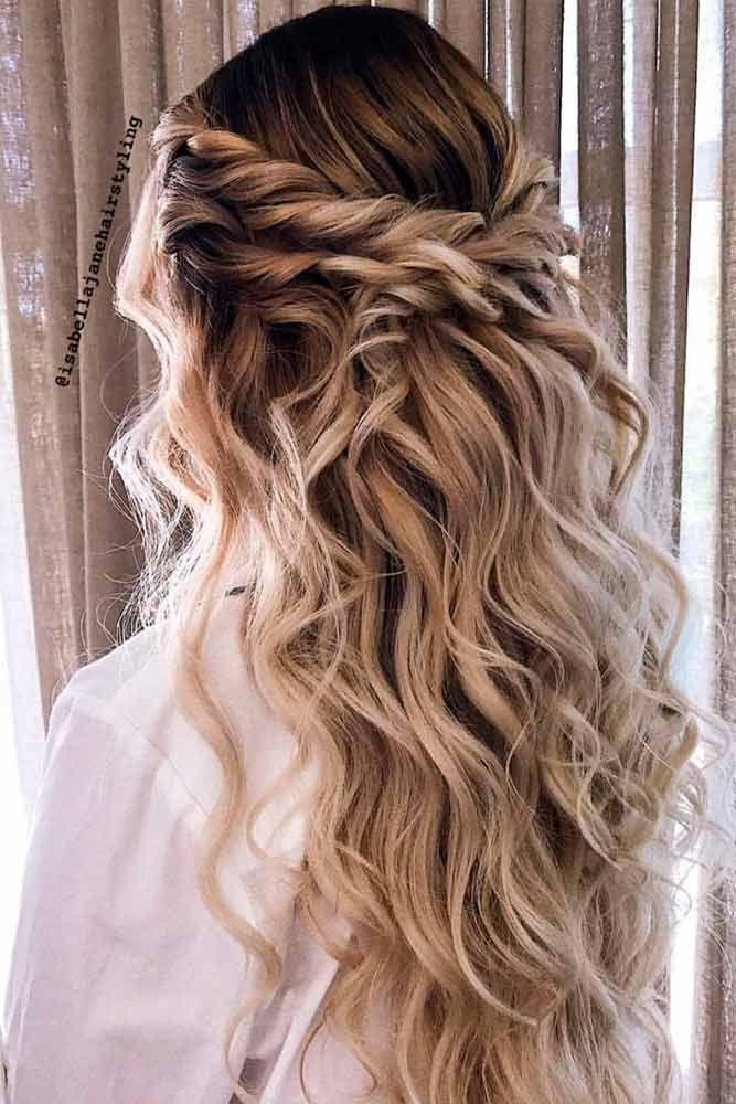 Verdrehte blonde Half-Updo Prom Frisuren #twistedhairstyle #wavyh … – Prom Fr
