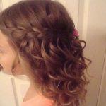Verschiedene Frisuren für Kindermädchen