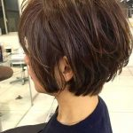 Wirklich moderne kurze Frisuren für ältere Frauen