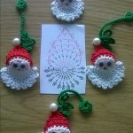 crochet in the Christmas tree