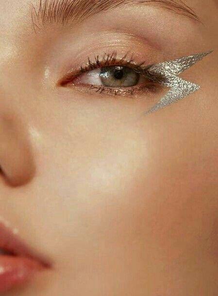ephermeral ⚡ éclair d´argent silver metallic maquillage oeil eye make up min…