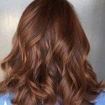 schöne dunkelrote Haarfarbe